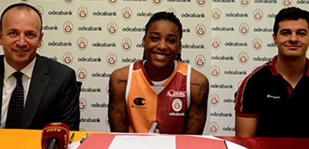 Vanessa Ble Galatasaray'la imzaladı