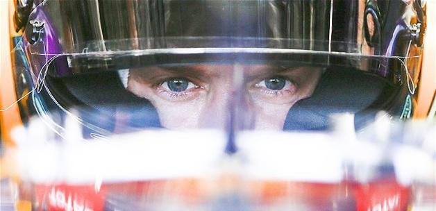 Vettel, üst üste 5. yarışını kazandı
