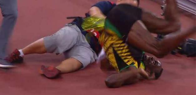 Usain Bolt bir anda tepetaklak oldu!