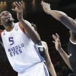 Dev maçta Anadolu Efes güldü