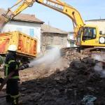 Beyşehir'de çıkan yangında iki ev yanarak kül oldu