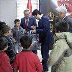 Balışeyh'te öğrencilere giysi yardımı yapıldı