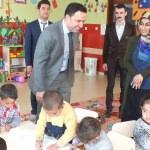 Hamur Kaymakamı Manisa'dan okul ziyareti