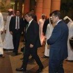 """Davutoğlu """"Başbakan"""" sıfatıyla ilk kez Katar'da"""