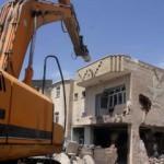 Hasar gören 600 evin yıkımına başlandı