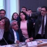 HDP'li vekillerden şok tepki! Terkettiler!
