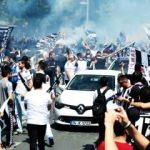 Beşiktaş taraftarı kutlamalara erken başladı
