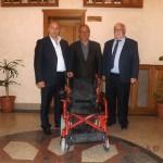 Başkan Arslan'dan engelli gence araç desteği