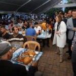 Fatma Şahin ilk iftarını öğrencilerle açtı