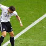 Mario Gomez attı, liderlik geldi