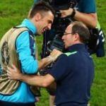 Buffon İrlanda hocası ile sarmaş dolaş!