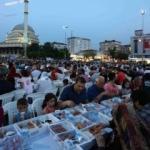 7 bin kişi iftar sofrasında buluştu