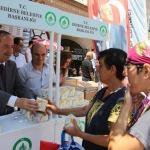 Edirne Belediyesi vatandaşlara kandil simidi dağıttı