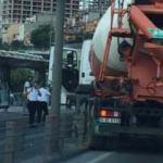 Beton mikseri metrobüs yoluna girdi