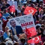 CHP'li belediye Başkanından 'Dombıra' sürprizi