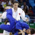 Judoda Büşra, son 16 turuna yükseldi