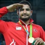 Altın madalya terör mağdurlarına armağan olsun
