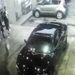 Benzin istasyonunda otomatik silahlarla çatışma