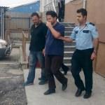 Açığa alınan doçent, Yunanistan'a gitmek isterken yakalandı