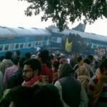 Hindistan'da feci tren kazası: 104 ölü, 150 yaralı