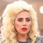 Dünyaca ünlü şarkıcı itiraf etti!