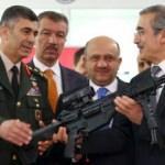 Savunma Bakanı MPT-76 ile ilk atışı yaptı