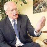 Eski ABD Büyükelçisi: Türkiye'ye rağmen olmaz