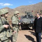 Şırnak Valisi Su askeri birlikleri denetledi