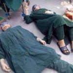 32 saatlik ameliyatın ardından cerrah yere yığıldı