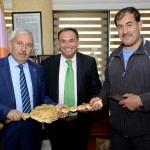 Altın kemer, Başkan Çetinkaya'ya teslim edildi