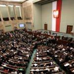 Polonya cumhurbaşkanı anayasa referandumu istedi