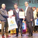 AK Partili vekilden yetenekli öğrencilere ödül