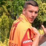Podolski'den veda 'Kalbimde olacaksınız...'