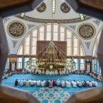 Üç mimariyi buluşturan cami