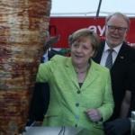 Almanya Başbakanı Merkel döner kesti