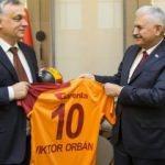 Galatasaraylı Başbakan'a forma sürprizi