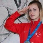 Rus rakibini devirip 19 yaşında dünyayı fethetti!
