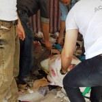 Üzerine duvar yıkılan kişi yaralandı