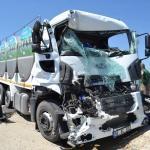 Süt tankeri kamyona çarptı: 1 yaralı