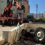 Traktör 3. kattan aşağı düştü