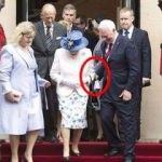 Kraliçenin kolundan tutan vali tartışma çıkardı!