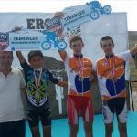 Edirneli bisikletçilerden iniş yarışlarında başarı