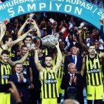 Fenerbahçe ilk kupasını kaldırdı!