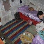 Yaşlı çiftin 10 metrekarelik odada yaşam mücadelesi