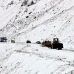 Kar kalınlığı 50 cm'yi geçti: 6 kişi kurtarıldı!