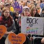 Almanya'da kriz tırmanıyor: Durdurun!