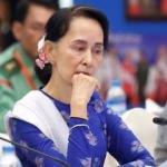 Oxford, Myanmar katiline verdiği nişanı geri aldı