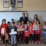 İstanbul'dan Eşme'deki öğrencilere yılbaşı hediyesi