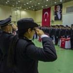 Diyarbakır'da polis adaylarının mezuniyet sevinci