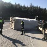 Denizli-Antalya karayolundaki kaza ulaşımı aksattı